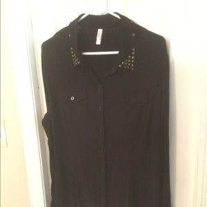 Xhilaration Black LS Button-Down Collared Shirt
